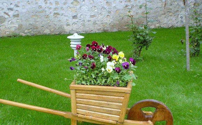 Как украсить сад своими руками из дерева — Stroy portal