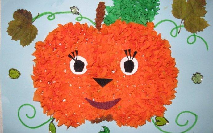 Поделка на Хэллоуин Веселая тыковка из гофрированной бумаги